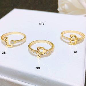 nhẫn vàng chữ cái