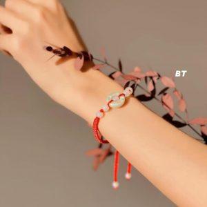 dây chỉ đỏ ngọc Cẩm Thạch